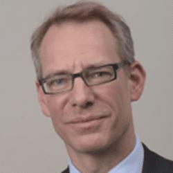 Dr.  Stefan Neuwirth, Leiter Corporate Organization